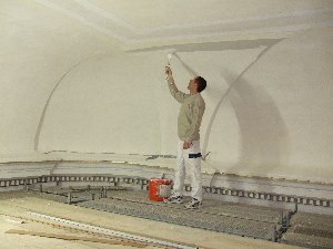 Mitten-in-den-Anstricharbeiten--Sanierung-Liebfrauenkirche