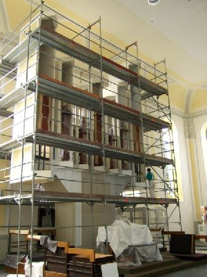 Neuer Anstrich für die Klais-Orgel