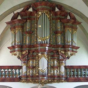 Mutter hilft Tochter: Benefizkonzert für die Orgel der Barockkirche Zwillbrock
