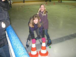 Gruppe INSIDE mit 28 Kinder zur Eishalle nach Wesel