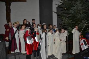 Der Himmel hat unser Herz erreicht - bestätigte der Kinderchor Herz-Jesu beim diesjährigen Krippenspiel