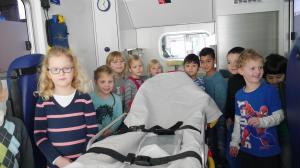 Heilig Kreuz Kitakinder zu Besuch bei der Feuerwache