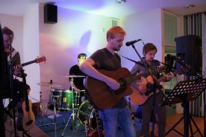 Liebfrauenviertelfest-Kassettenhelden-und-Logout-in-concert