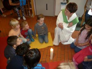 Hl. Kreuz Kita feiert Abschiedsgottesdienst