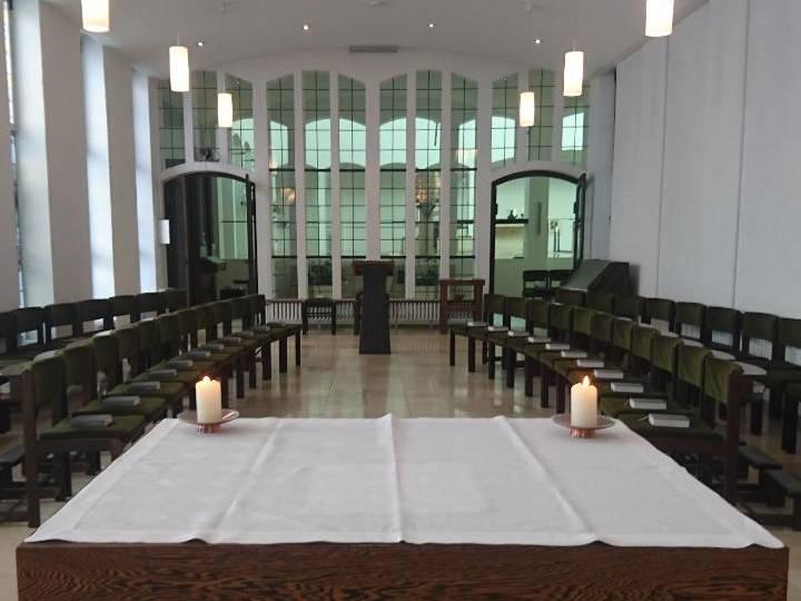 Neue Sitzordnung in der Kapelle der Heilig-Kreuz-Kirche