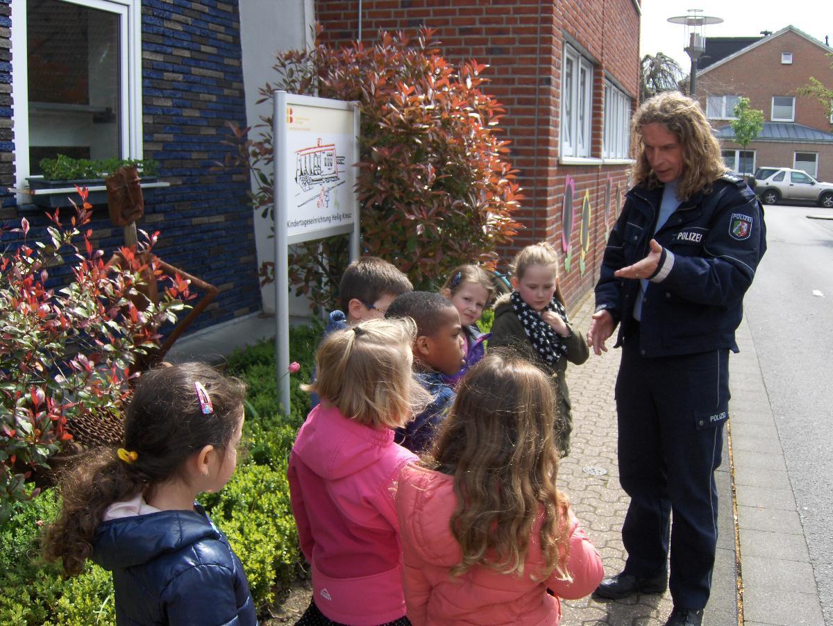 Andreas und Volker,  gaben Tipps für einen sicheren Schulweg
