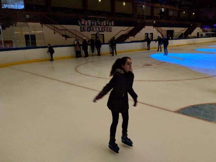 Vorsicht Glatteis! | Messdiener in der Eishalle