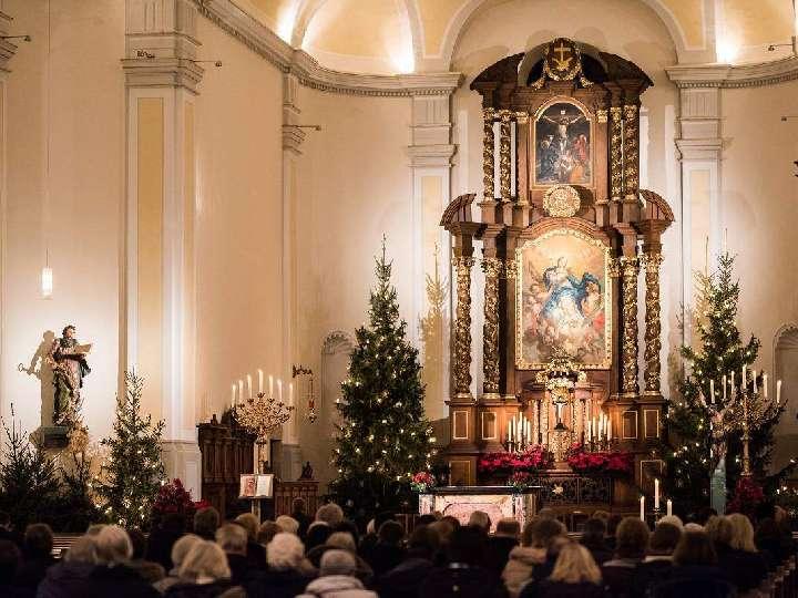 Weihnachtsliedersingen-in-der-Liebfrauenkirche-