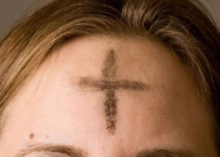 Aschermittwoch - Gottesdienste mit Empfang des Aschenkreuzes