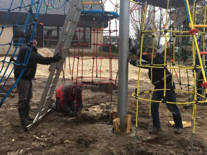 Arbeiten auf dem Kapi-Spielplatz