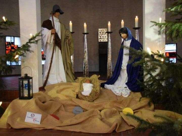 Festmesse-mit-Gesangssolist-Blaesern-Herz-Jesu-Chor-und-eine-besondere-Ehrung-