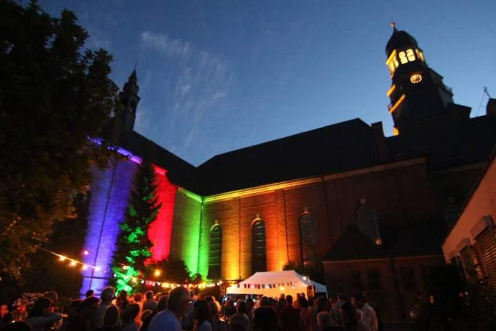 Vinylparty-am-lauschigen-Sommerabend