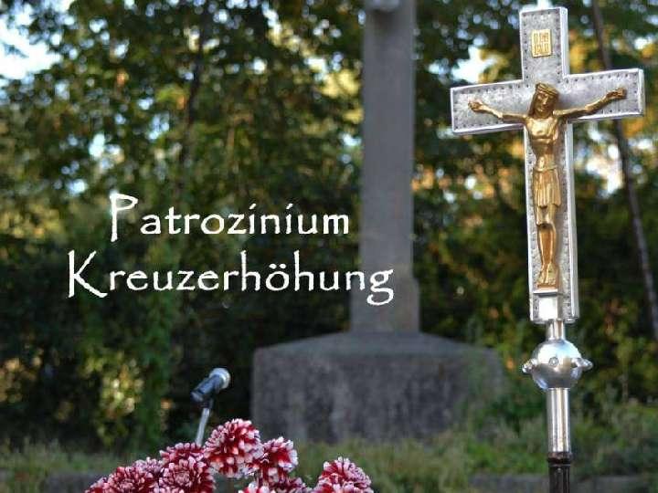 Patronatsfest von Heilig  Kreuz unter freiem Himmel