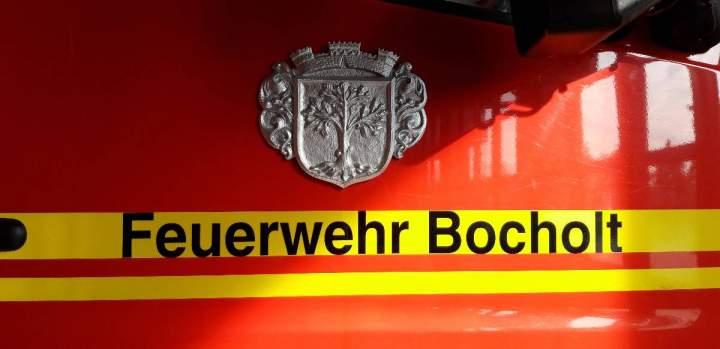 Kitakinder-HL-Kreuz-besuchen-die-Feuerwehrwache