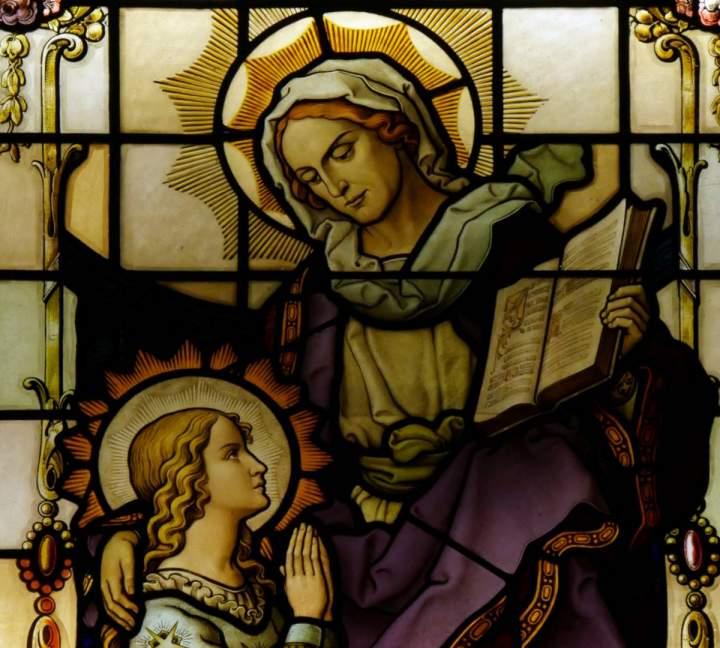 Fensterbild Heilige Anna in der St.-Helena-Kirche in Bocholt-Barlo
