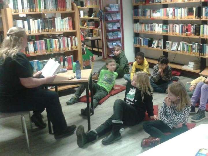 Vorlesetag in der Bücherei St. Helena