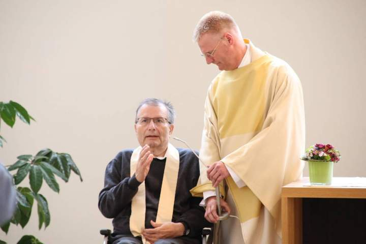Pfarrer-Dr-Matthias-Conrad-begeht-Goldenes-Priesterjubilaeum