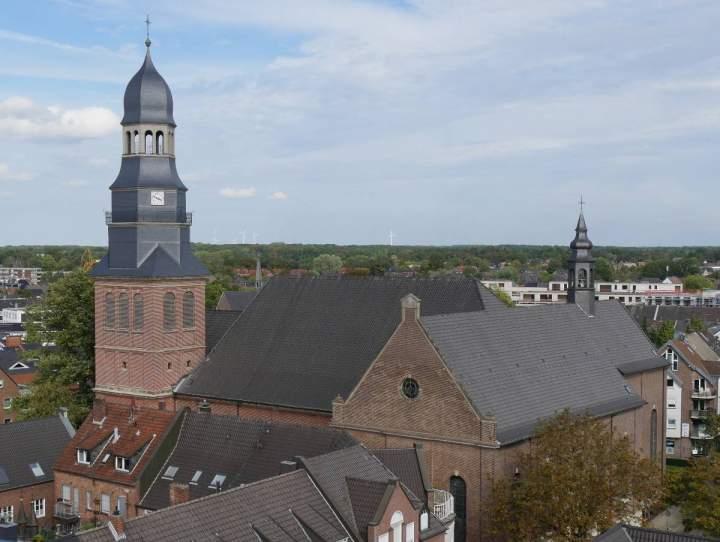 Abschlussfest-zur-Turmsanierung-der-Liebfrauenkirche