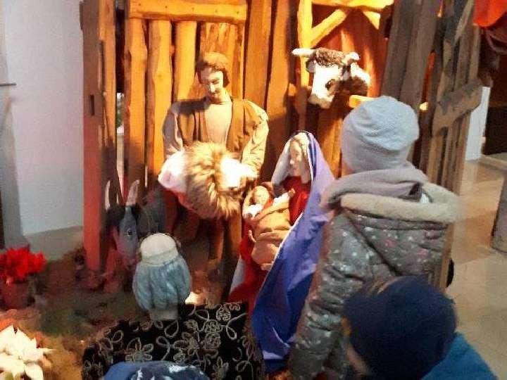 Heilig Kreuz Kita Kinder auf dem Weg zur Krippe