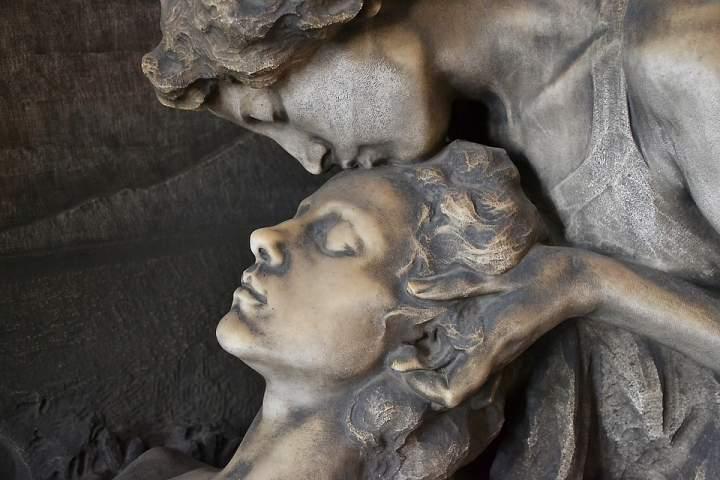 Impuls am Abend - Salbung – Eucharistiefeier einer Frau