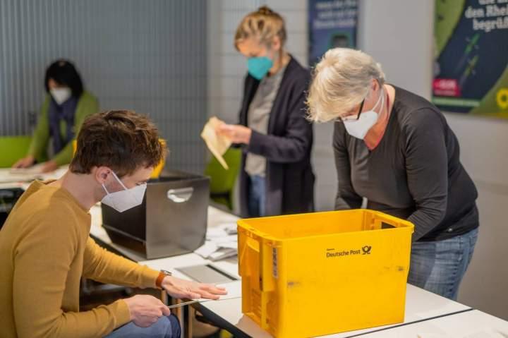 """Einmalig """"Straßenpaten"""" für Wahlunterlagen gesucht"""