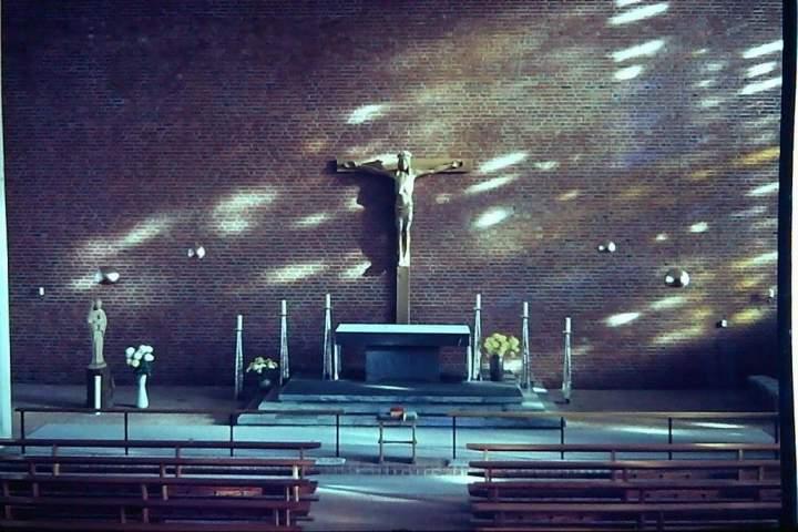 """Ausstellung """"Geschichten und Bilder rund um die Herz-Jesu-Kirche"""""""