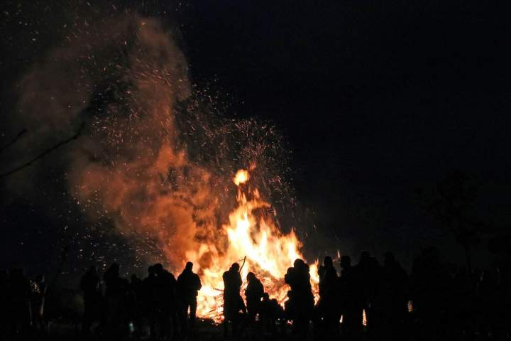 Osterfeuer in Barlo