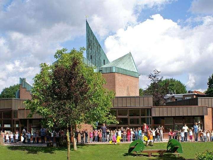 Messe im Park und Gemeindefest am Sonntag